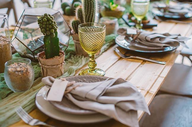 Arrumação de mesa sofisticada