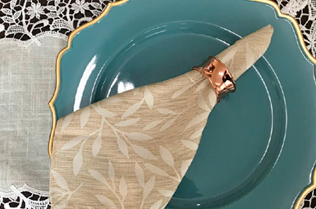 Guardanapo, argola, sousplat - decoração de mesa